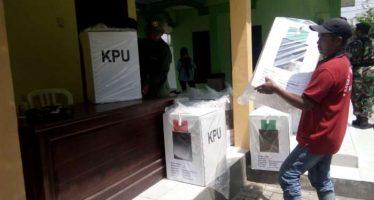 Distribusi Logistik Pemilu di Kawal Ketat Pihak Kepolisian dan TNI Serta Satpol PP