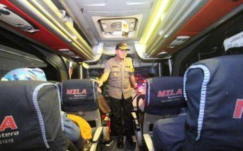 Pastikan Tidak Ada Masa Ke Jakarta, Polres Probolinggo Razia di Gerbang Pintu Tol