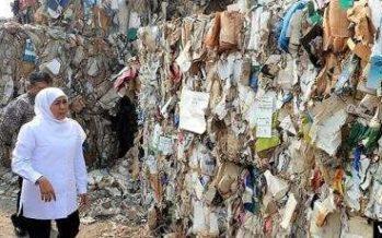 Khofifah Serukan Impor Sampah Kertas Untuk Bahan Baku Membuat Kertas
