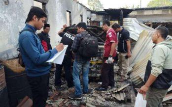 Rumah Nur Halim Warga Desa Kalibendo Hangus Terbakar