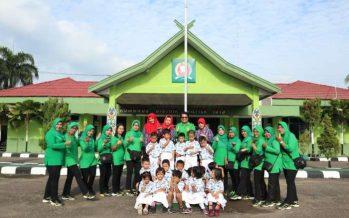 Wisata Edukasi Demplot Kodim 1013 Muara Teweh Memberi Penyegaran Untuk Siswa-Siswi Taman Kanak-Kanak(TK)Kartika Jaya XVII