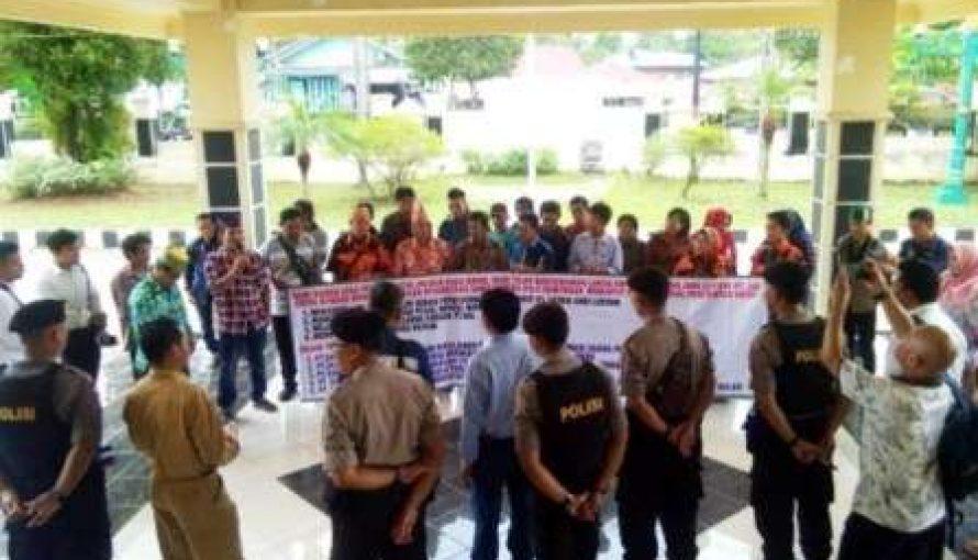 PT. SAL Ingkar Janji, Warga Tiga Desa Sampaikan Aspirasi Ke DPRD Barut