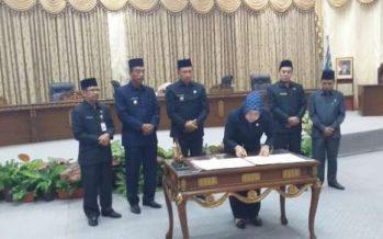 Nota Kesepakatan KUA Serta PPAS-APBD Tahun 2020 Ditandatangani Pemkab Barut Dan DPRD
