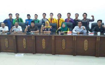 Usulan Beasiswa Dan Asrama Mahasiswa Barut Di Palangka Raya Dalam RDP Diruang Rapat DPRD