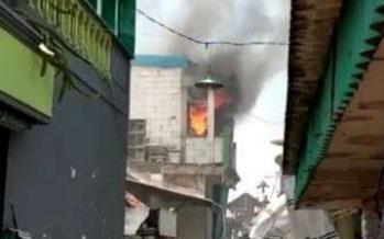 Rumah di kawasan Bulak Banteng Surabaya Hangus terbakar
