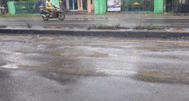 Proyek Aspal Jalur Propinsi Balongbendo Amburadul.