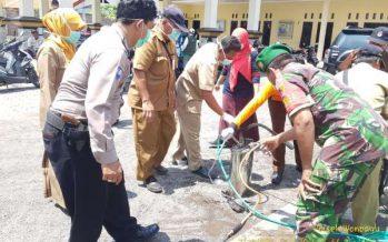 Forkopimka  Wonoayu Bersama Puskesmas Kembali Semprot Disinfektan Empat Desa