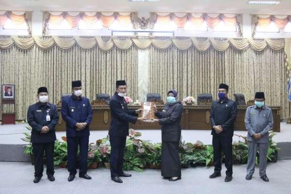 Bupati Barut Sampaikan LKPJ Kepada DPRD Pada Rapat Paripurna I